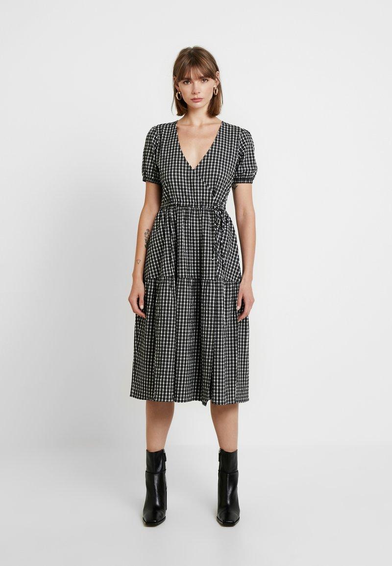 Envii - ENHAZEL DRESS - Denní šaty - timber