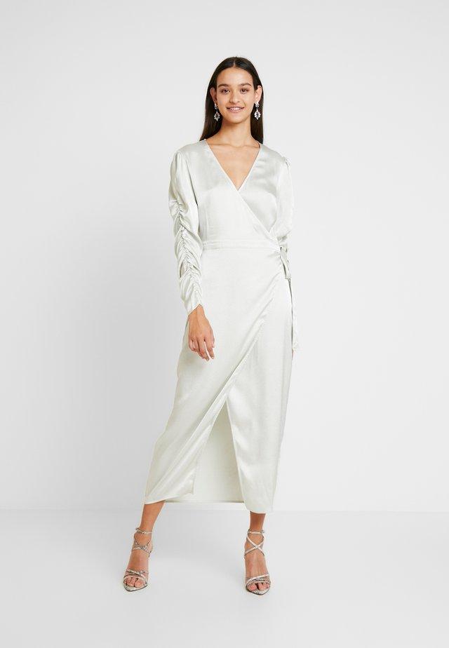 ENBIANCA DRESS - Maxiklänning - champagne