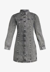 Envii - ENSPRUCE DRESS - Denimové šaty - black stone - 4