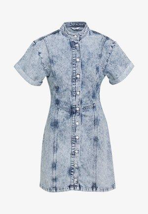 ENBASH DRESS - Denimové šaty - acid blue