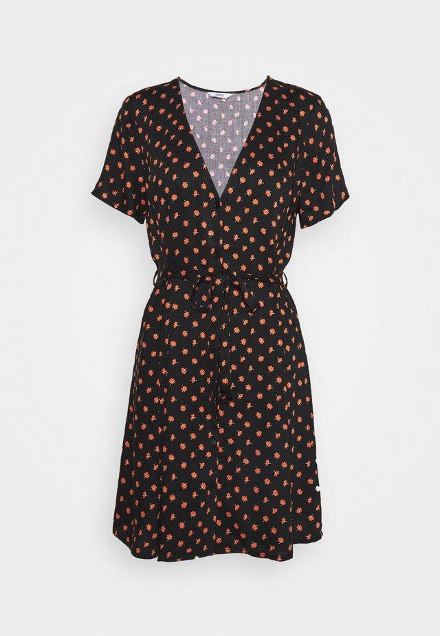DRESS  - Korte jurk - meadow saffron