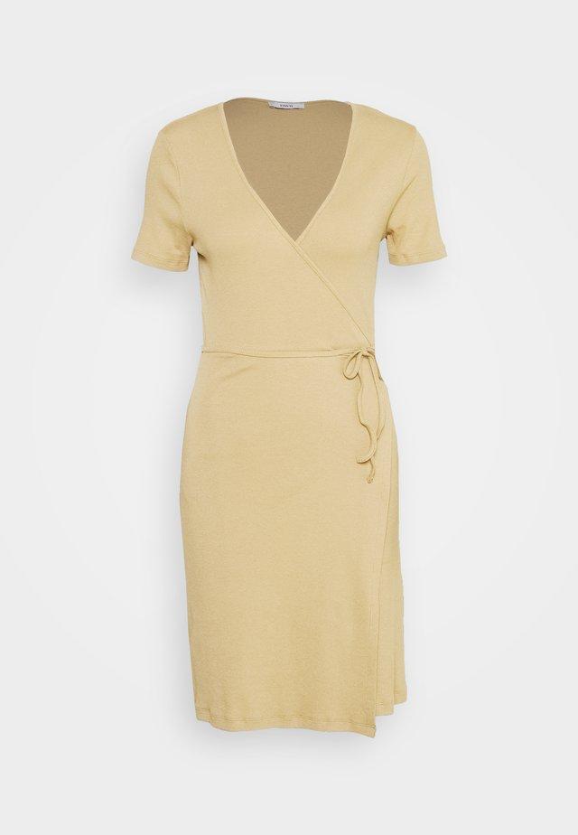 ENALLY DRESS - Vapaa-ajan mekko - brown