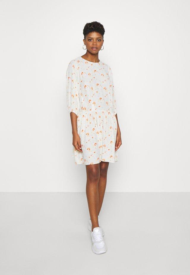 TEN 3/4 DRESS  - Freizeitkleid - off white