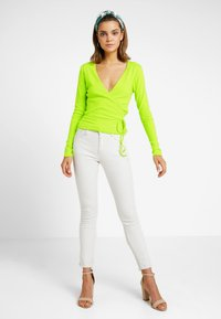 Envii - ENALLY - Langærmede T-shirts - lime punch - 1