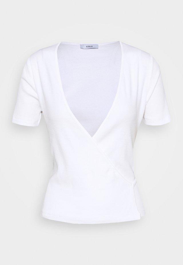 ENALLY TEE - Triko spotiskem - white