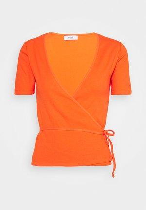 ENALLY TEE - Print T-shirt - flame