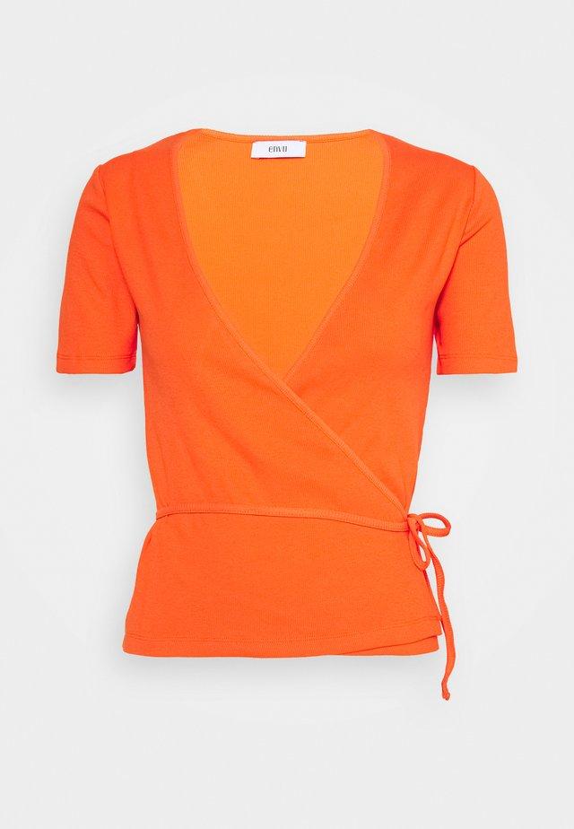 ENALLY TEE - T-Shirt print - flame