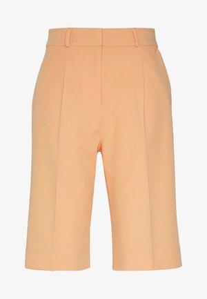 ENRETNA - Shorts - salmon buff
