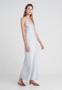 Elizabeth and James - MALTA - Maxi dress - silver - 0