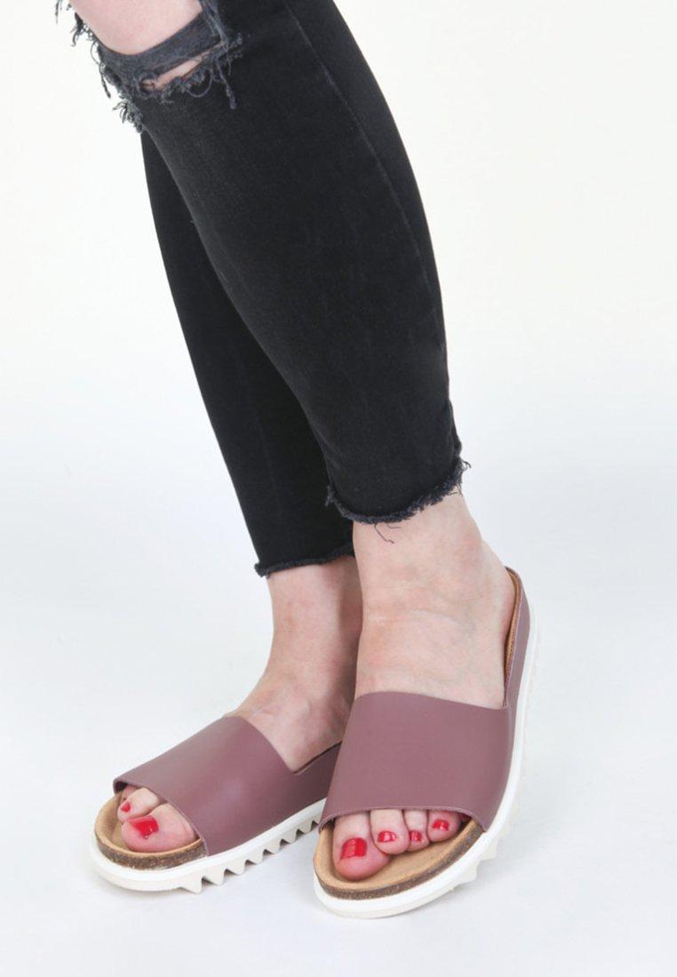 EKN Footwear - Pantolette flach - burgundy