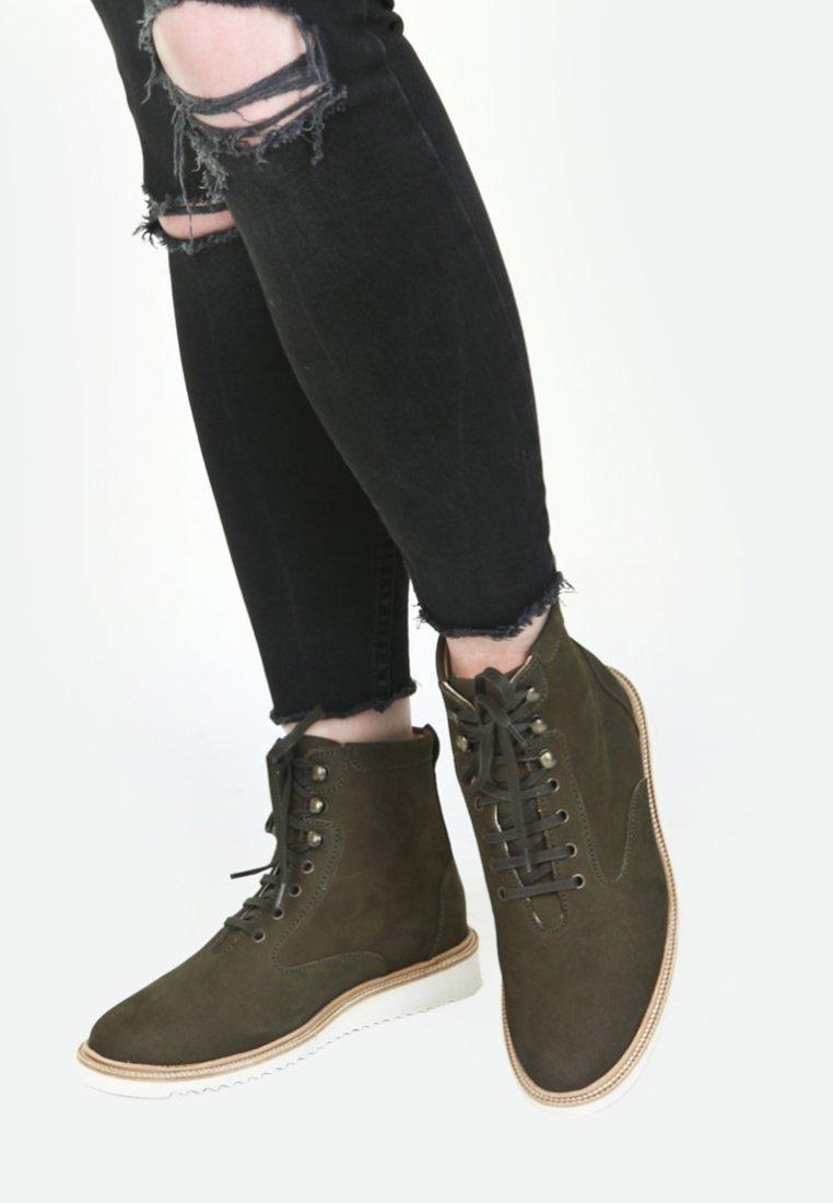 EKN Footwear - Sneaker high - olive