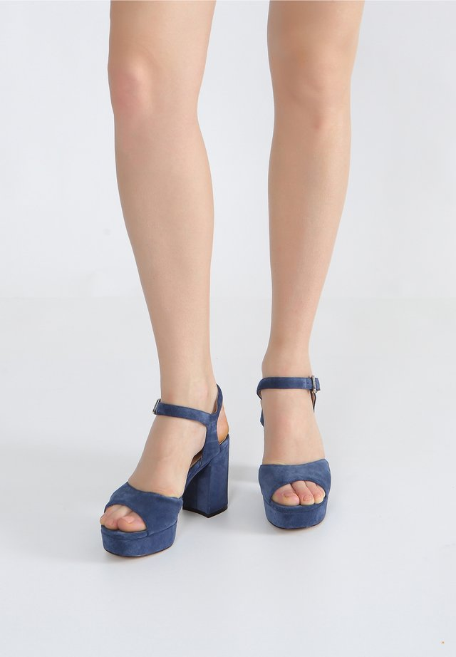 Sandalen met plateauzool - denim