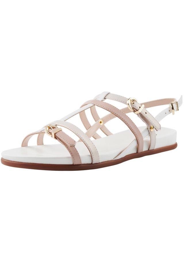 MIT RIEMCHEN - Sandalen - beige-weiß