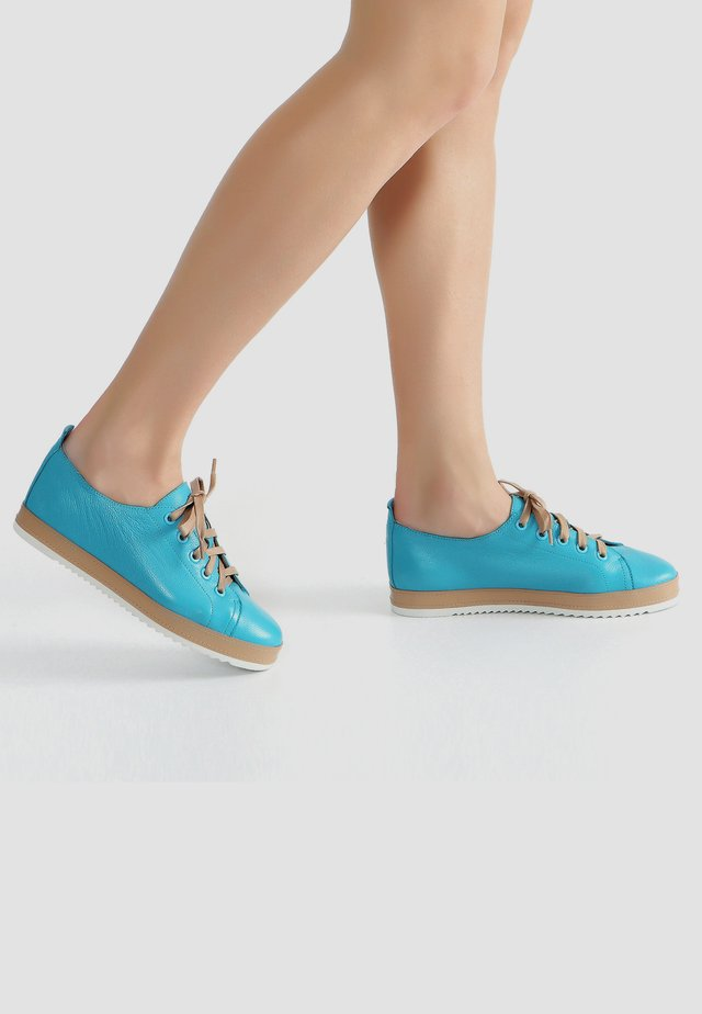 Sneakers laag - turquoise