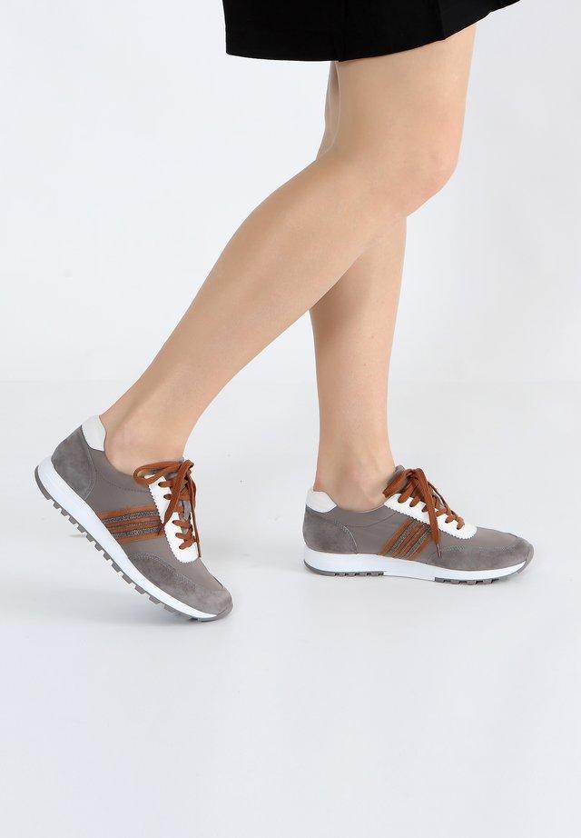 MIT SCHNÜRUNG - Sneakers laag - grey