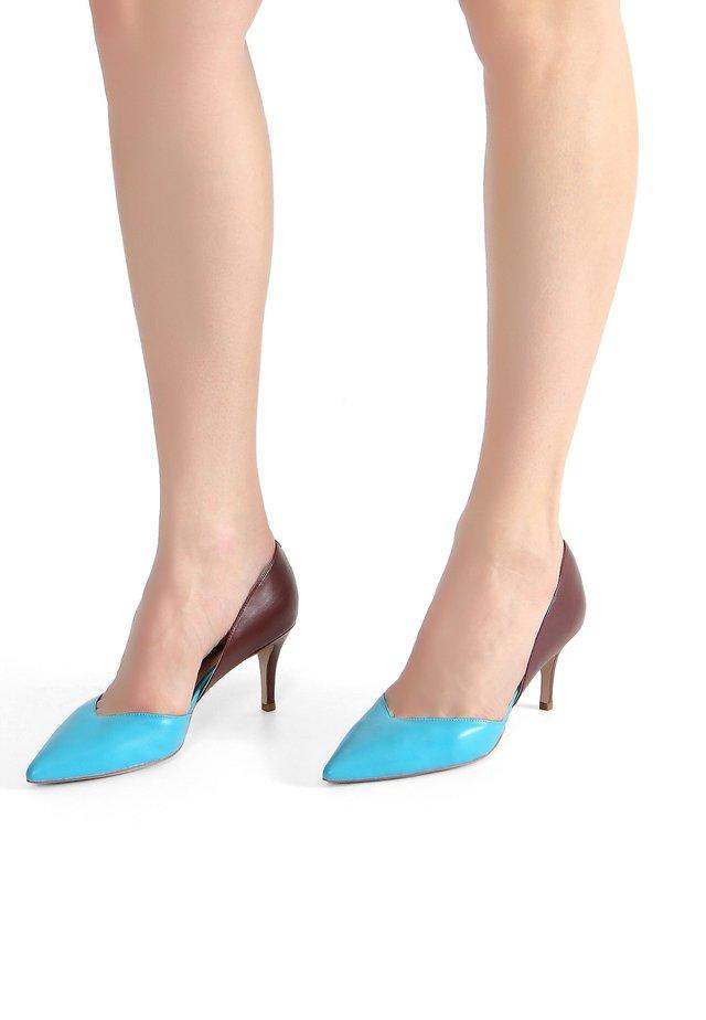 Classic heels - blue-brown
