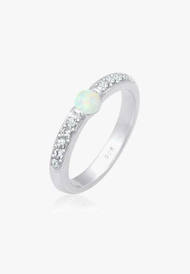 Sormus - silver coloured
