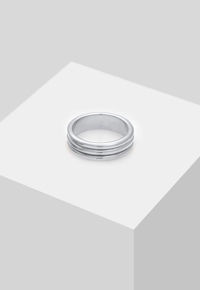 Sormus - silver-coloured