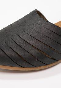 El Naturalista - STELLA - Sandals - black - 6