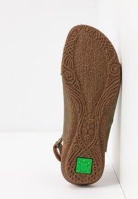 El Naturalista - WAKATAUA - Sandals - kaki - 6