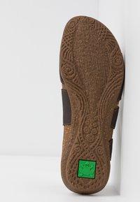El Naturalista - WAKATAUA VEGAN - Sandals - brown - 6