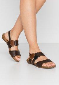 El Naturalista - WAKATAUA VEGAN - Sandals - brown - 0