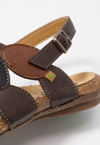 El Naturalista - WAKATAUA VEGAN - Sandals - brown - 2