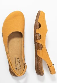 El Naturalista - WAKATAUA VEGAN - Slingback ballet pumps - curry - 3