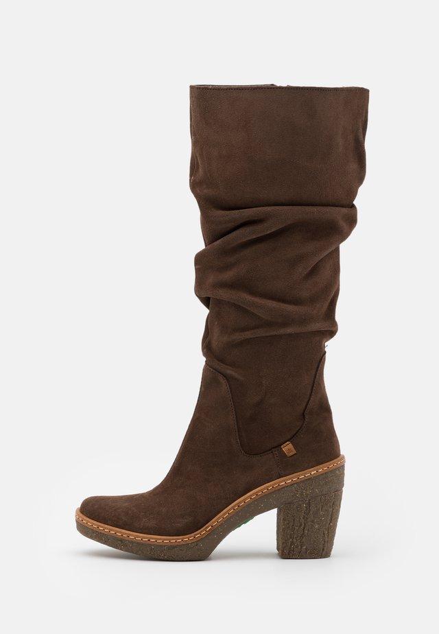 HAYA - Stivali con i tacchi - brown