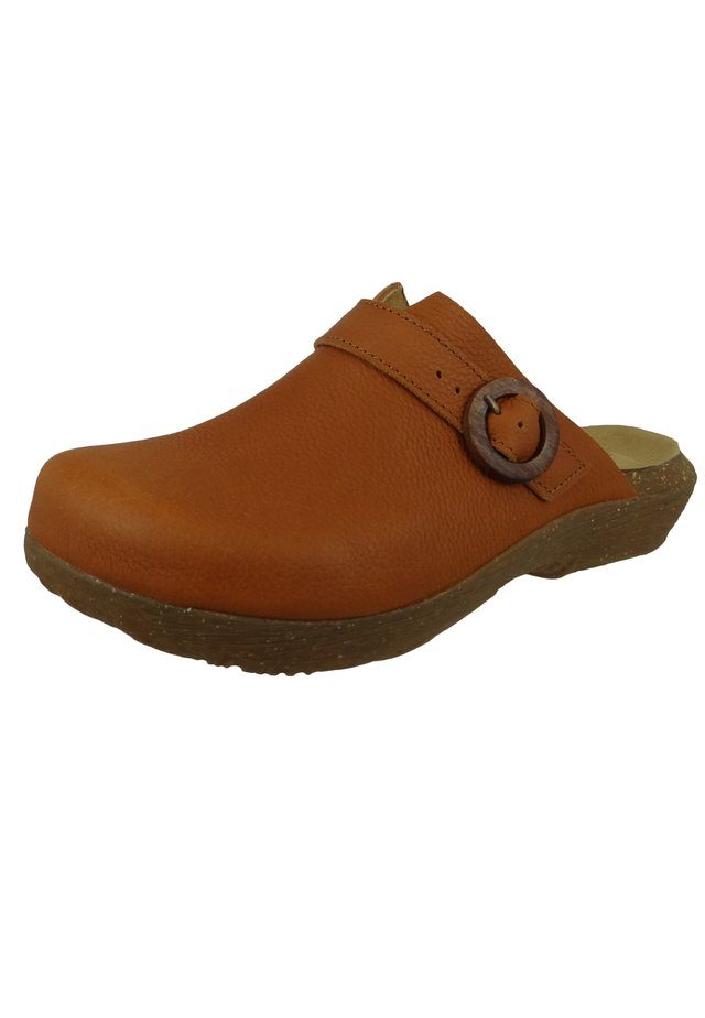 N5701 WAKATIWAI - Clogs - toffee