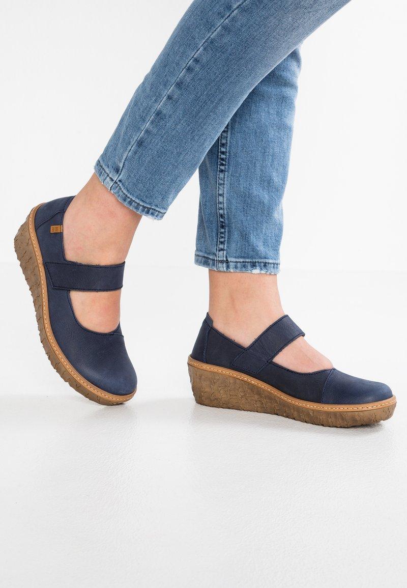 El Naturalista - MYTH YGGDRASIL - Platform heels - ocean