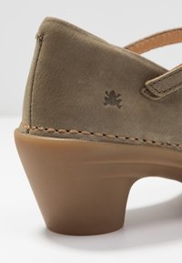 El Naturalista - AQUA - Classic heels - kaki - 2