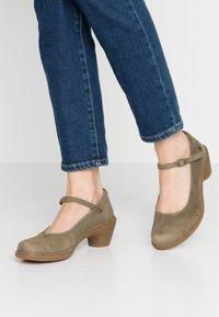 El Naturalista - AQUA - Classic heels - kaki - 0