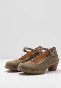 El Naturalista - AQUA - Classic heels - kaki - 4