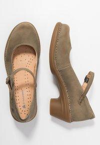 El Naturalista - AQUA - Classic heels - kaki - 3