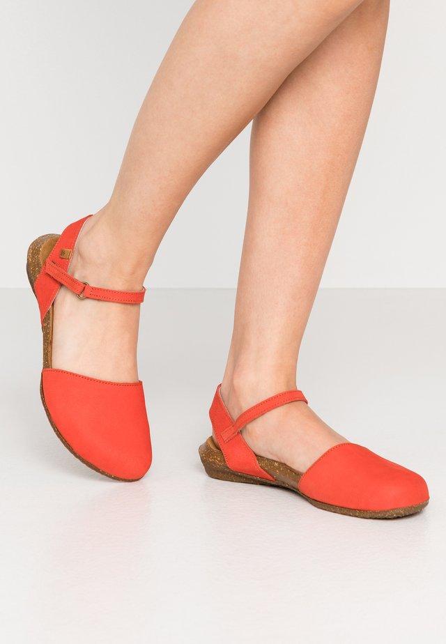 WAKATAUA - Sandals - coral