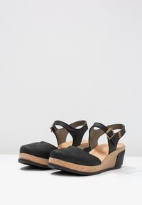 El Naturalista - LEAVES - Platform heels - black - 3