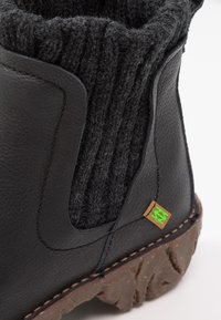 El Naturalista - YGGDRASIL - Classic ankle boots - black - 6