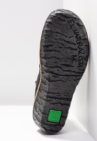 El Naturalista - MYTH YGGDRASIL - Ankle boots - black - 6