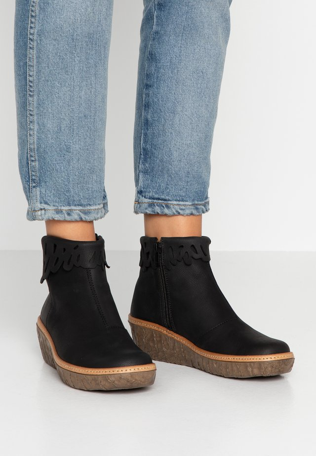 MYTH YGGDRASIL - Ankle boots - black