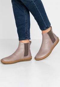 El Naturalista - CORAL - Ankle boots - plume - 0