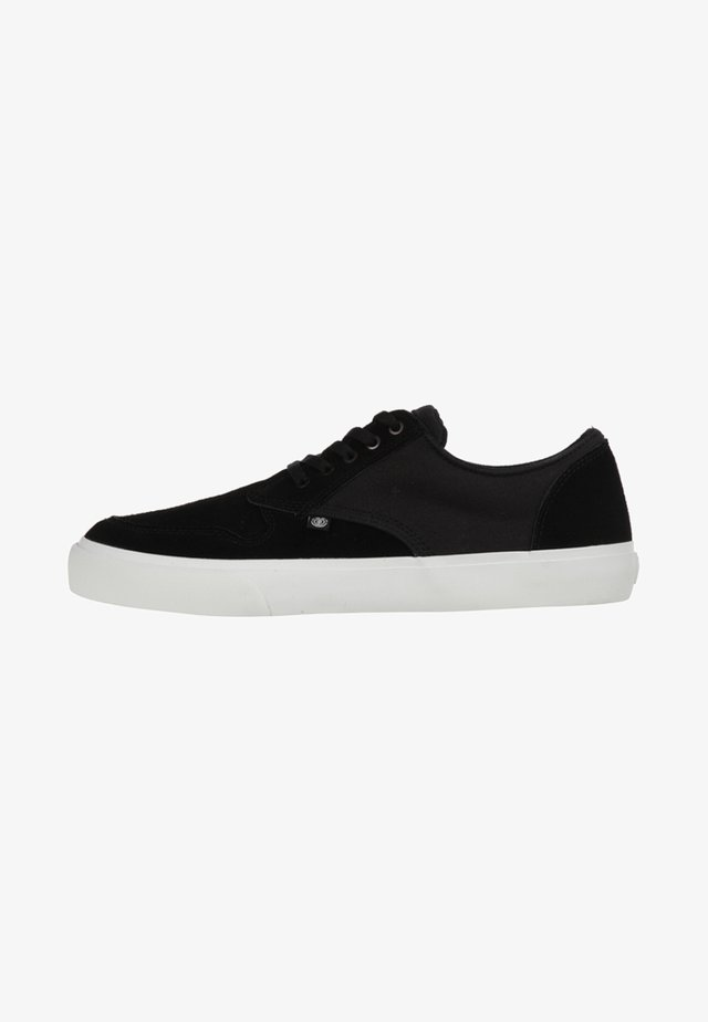 Skate shoes - black