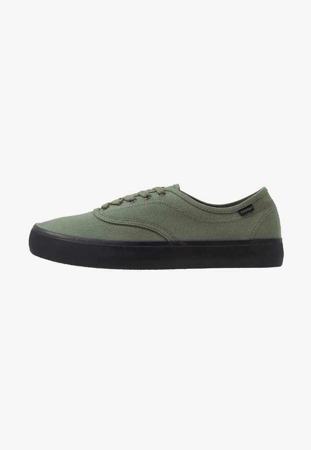 PASSIPH - Skate shoes - surplus black