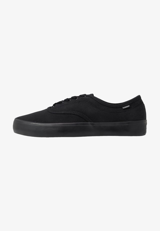 PASSIPH - Skate shoes - flint black