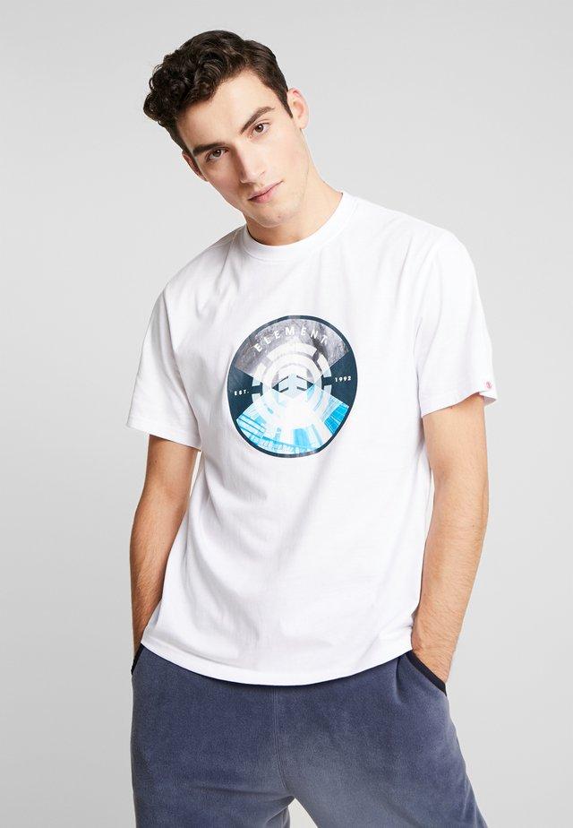 AIKEN - Print T-shirt - optic white