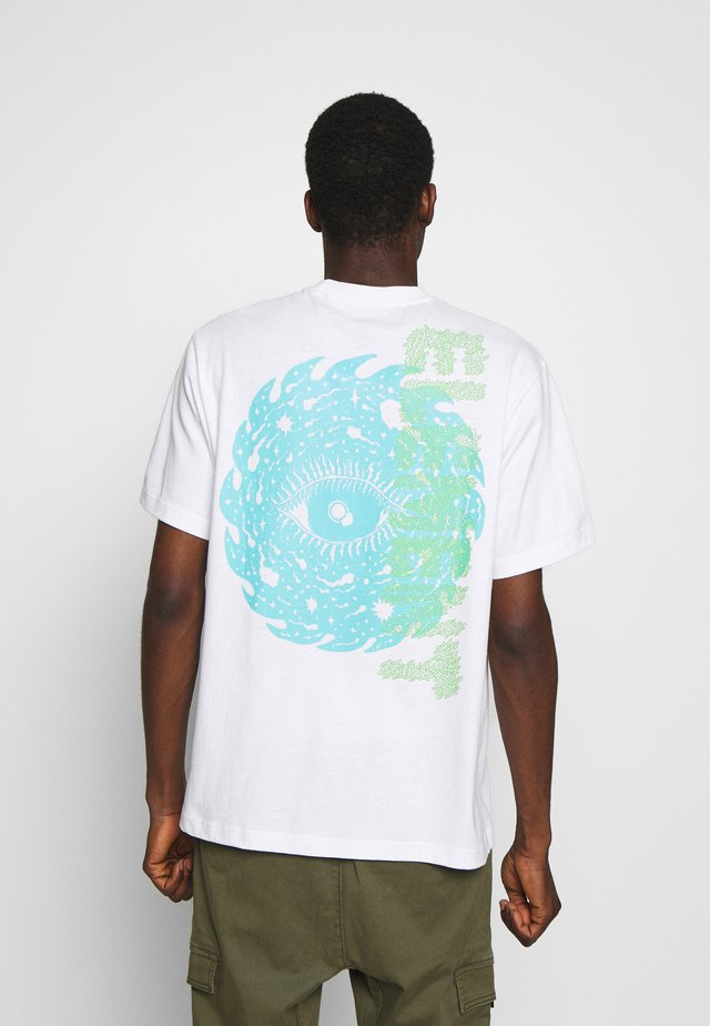 SPACE TYPHOON - T-shirt z nadrukiem - optic white