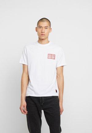 TRADITION - T-shirts print - optic white