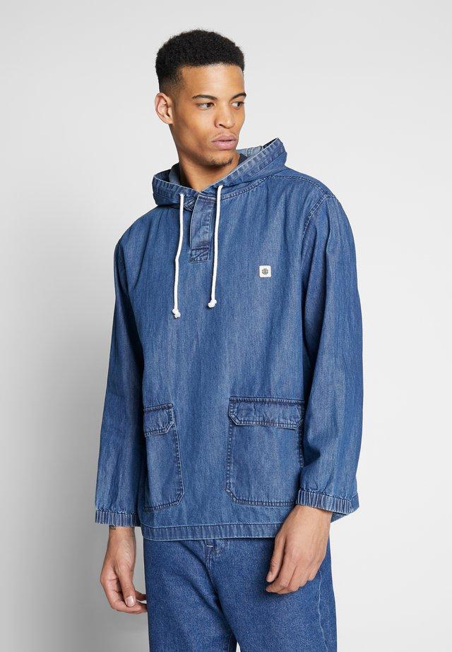 RUSSEL - Giacca di jeans - blue denim