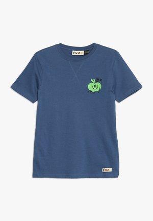 HEALTHY TEE - T-shirt z nadrukiem - blueberry