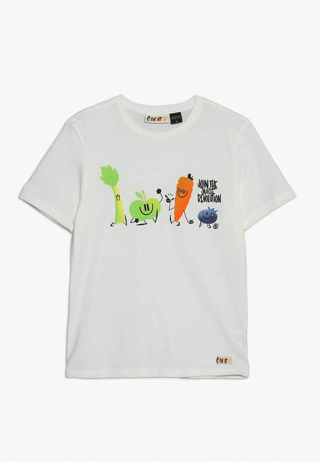 YOU ARE WHAT YOU DRINK FRUITSQUAD  - Print T-shirt - optic white